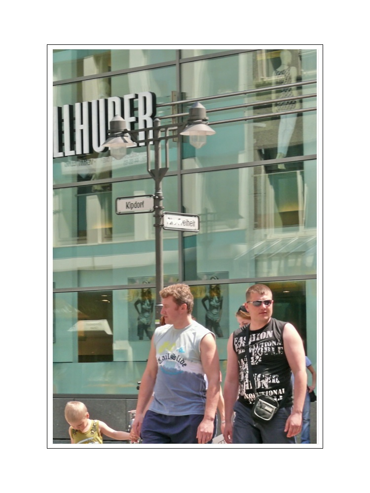 Streetlife 22 (the boys on the road, not shopping)