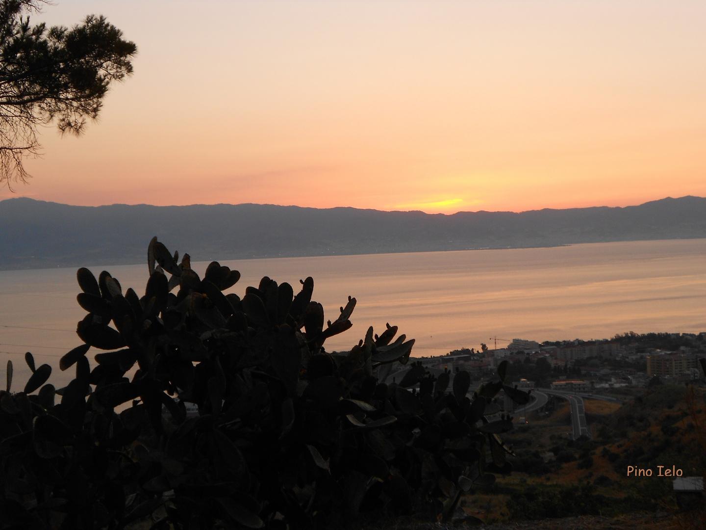 stretto di messina - visto dalle colline di Pentimele