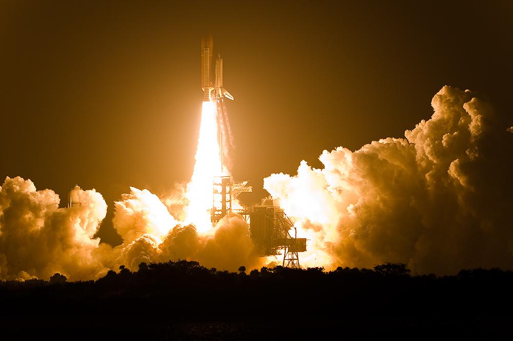 STS-126 Endeavour - last night launch in shuttle program