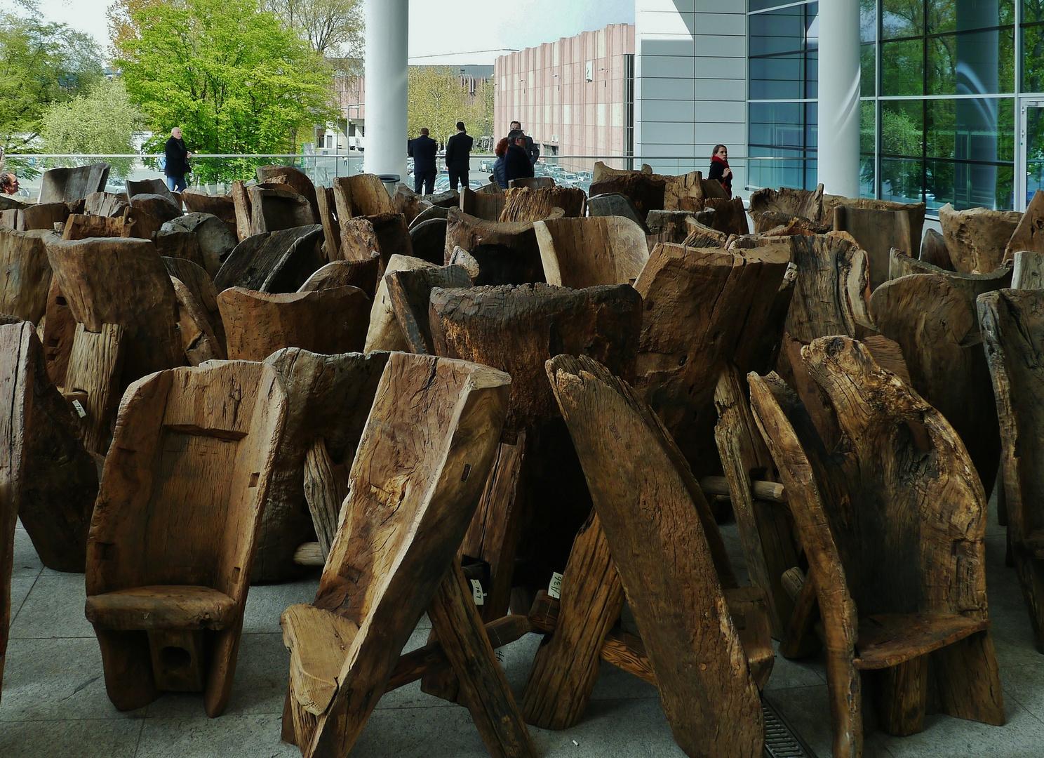 """""""Stühle aus Holzröhren"""""""