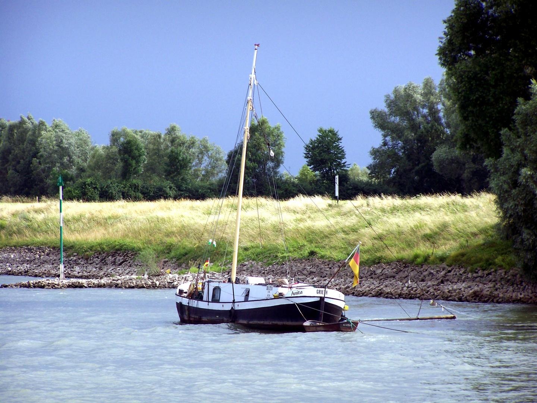 Stürmischer Rhein