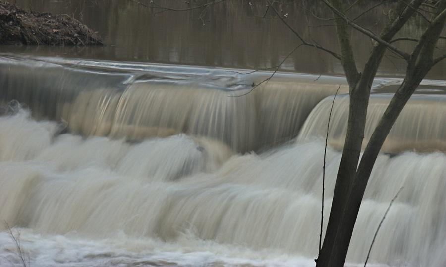 Stufen-Wasserfall an der Elsenz