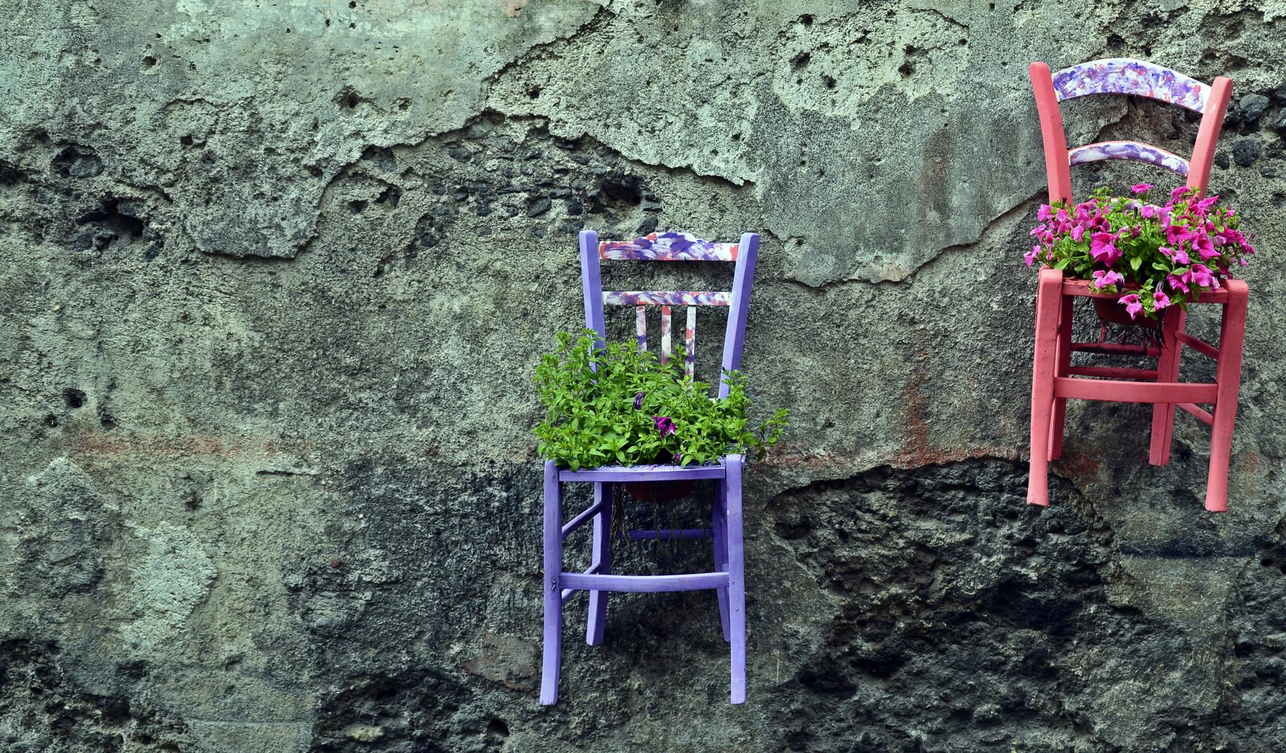 Stuhl an der Wand