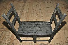 Stuhl für zwei Fakire?