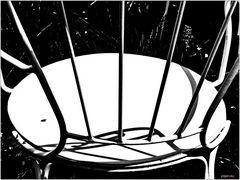 Stuhl mit Fliege