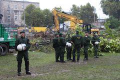 Stuttgart 1.10 8.20h gefällte Bäume in Park - K21