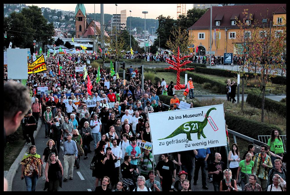 Stuttgart 21- der Widerstand stark wie nie, das dümmste Bauprojekt Deutschlands vor  endgültigem Aus