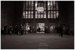 Stuttgart Hauptbahnhof Portal 14.11.2008 (1)