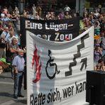 Stuttgart K21 - Bürger auf dem Marktplatz Plakat .AKTUELL 29.7.11 12:17h +3Fotos