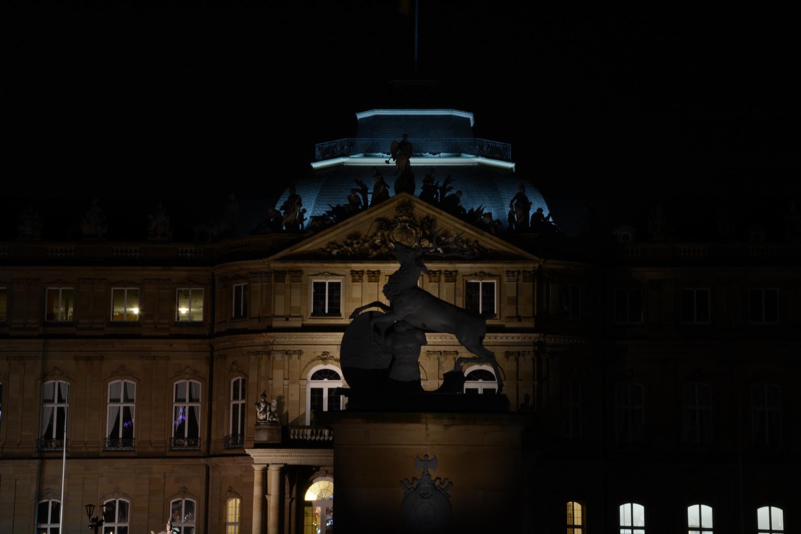 Stuttgarter Schloss bei Nacht