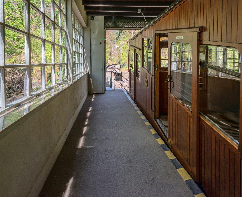 Stuttgarts SSB von und zum Waldfriedhof