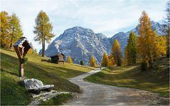 Südtirol im Herbst. Hier auf knapp 2000 m im Tal von Wengen.