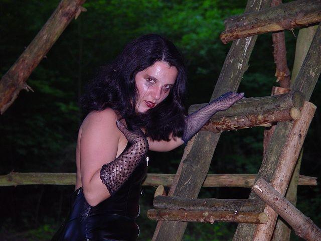 Sündig - Schöne  Songs  -   Night Crawler von Judas Priest