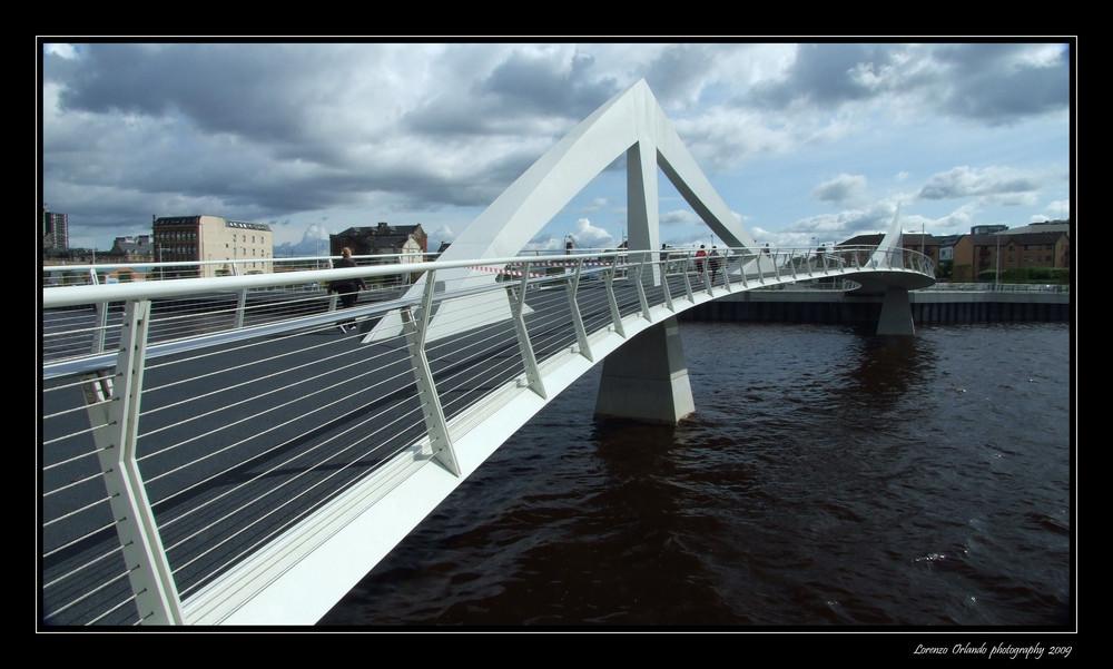 Sul fiume clyde foto immagini architetture for Cabine sul bordo del fiume