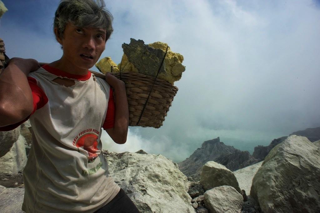 Sulphur mining in an active volcano