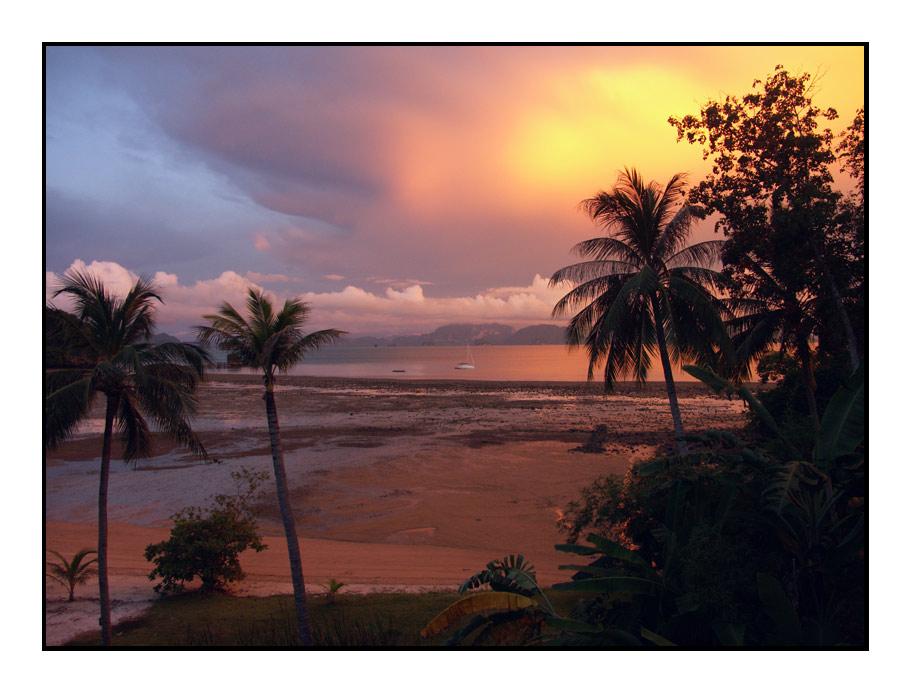 Sun-Rise in der Phang Nga Bay (Thailand)