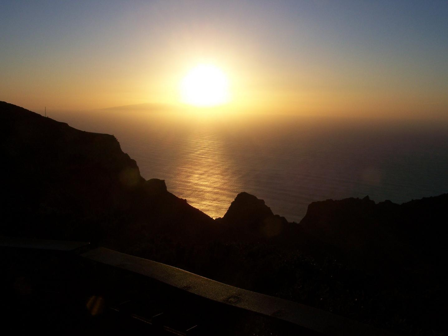 Sundown above Hierro