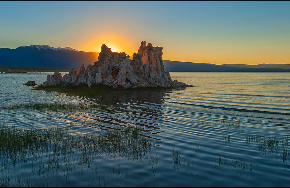sundown at mono lake