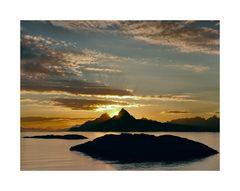 Sundown over Blåtinden