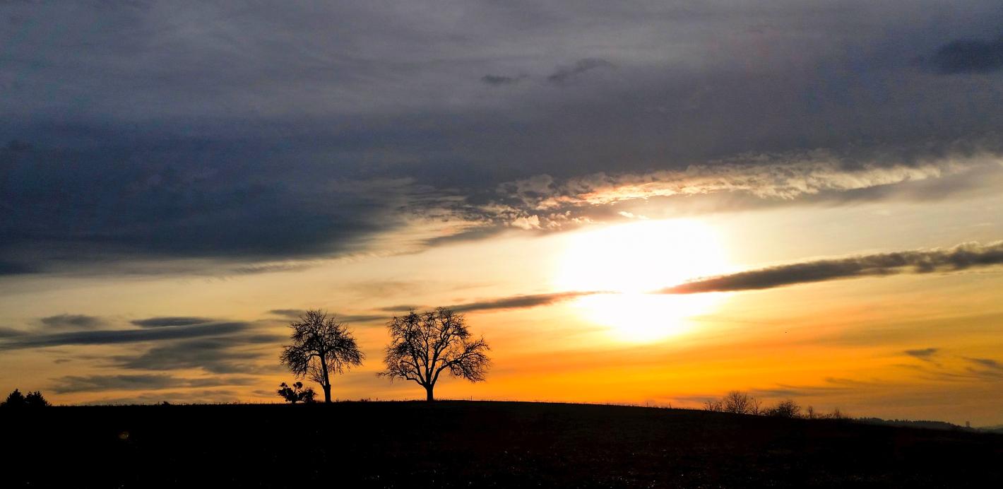 Sundown over the hill 5