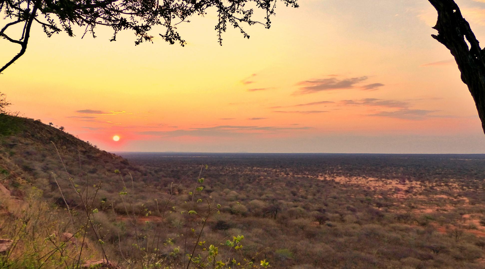 Sundowner über Afrika/Namibia.....