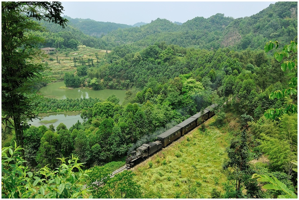 Sunny Shibanxi 2012 - Tourizug im Grünen