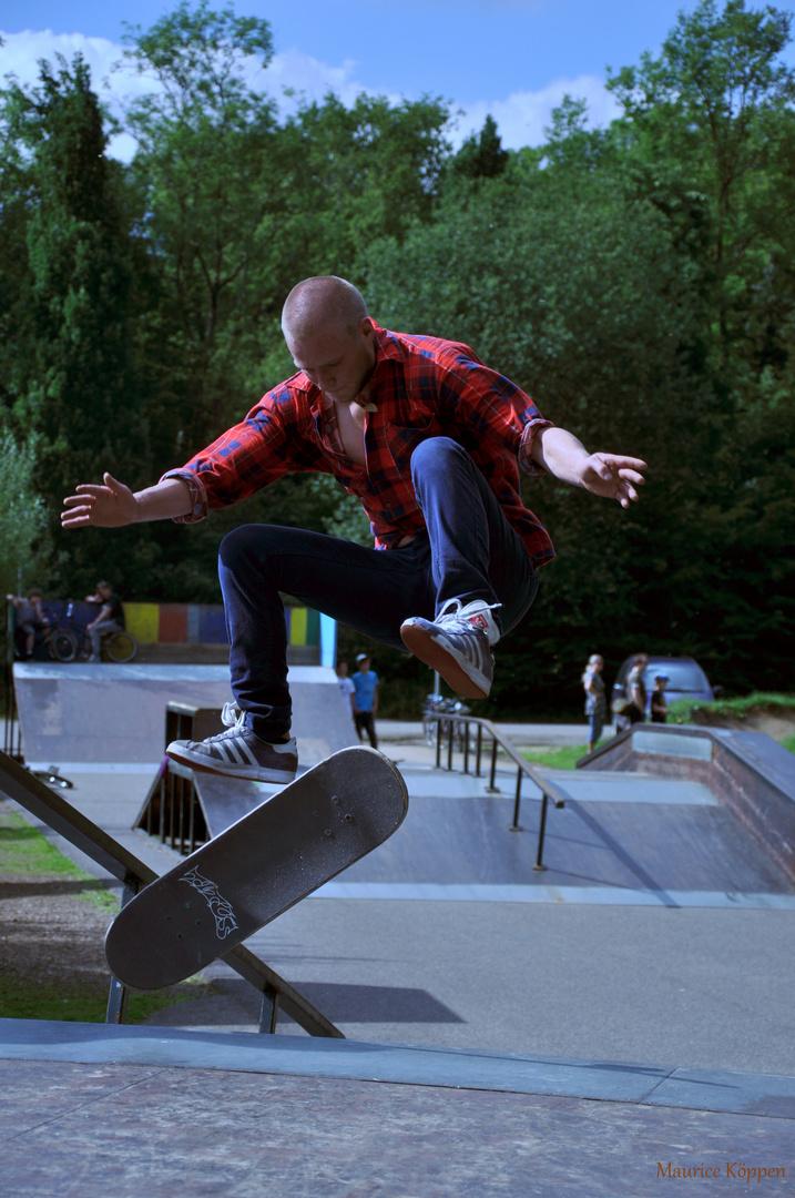Sunny Skate