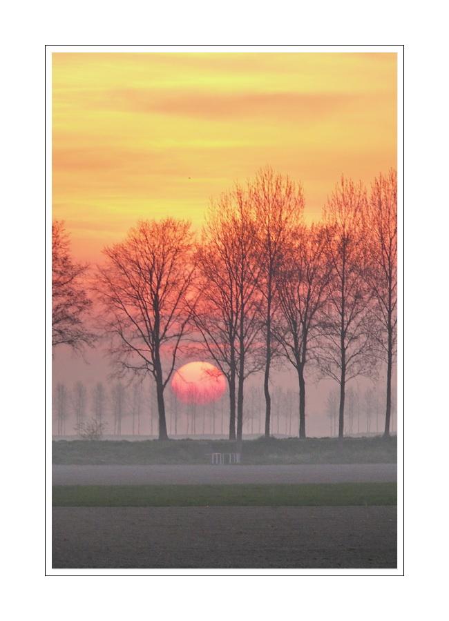 Sunrise (14.04.2007, 6:58) Zeeuws-Vlaanderen