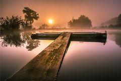 Sunrise am lake