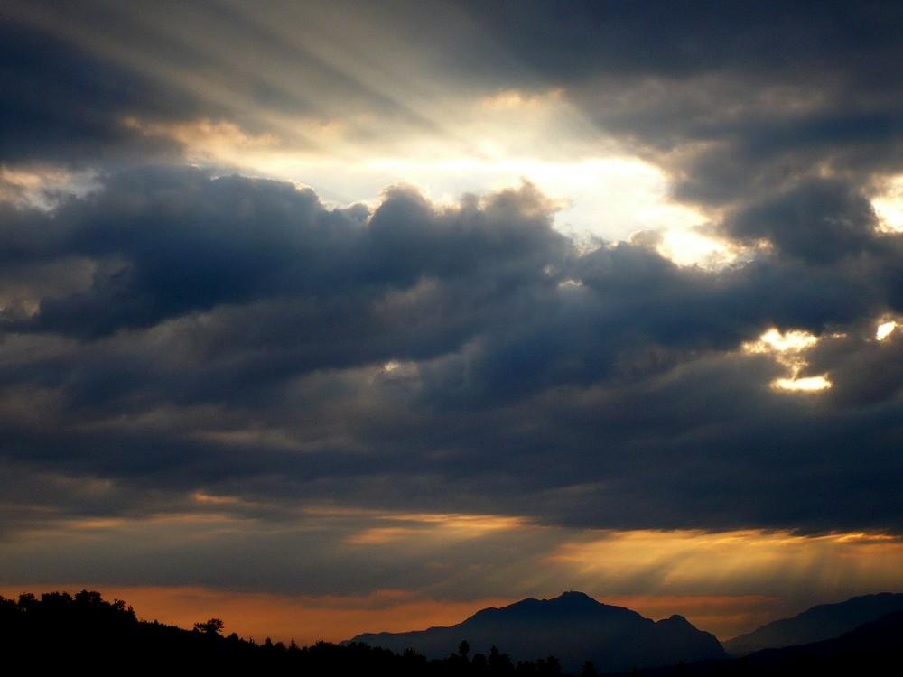 sunrise at Bran Moeciu
