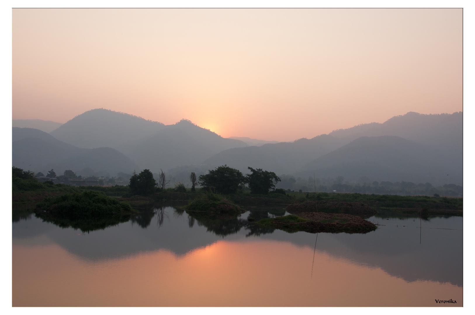Sunrise at Inle Lake / Birma