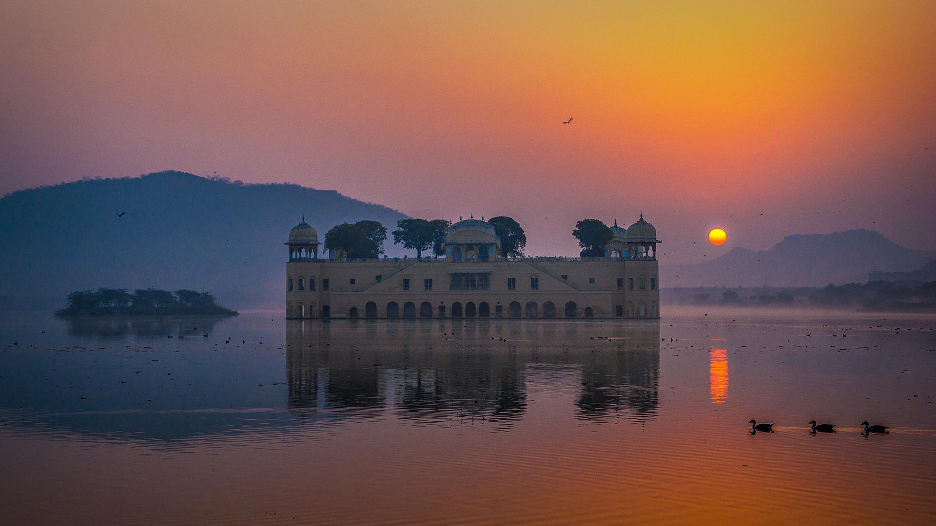 Sunrise at Jal Mahal