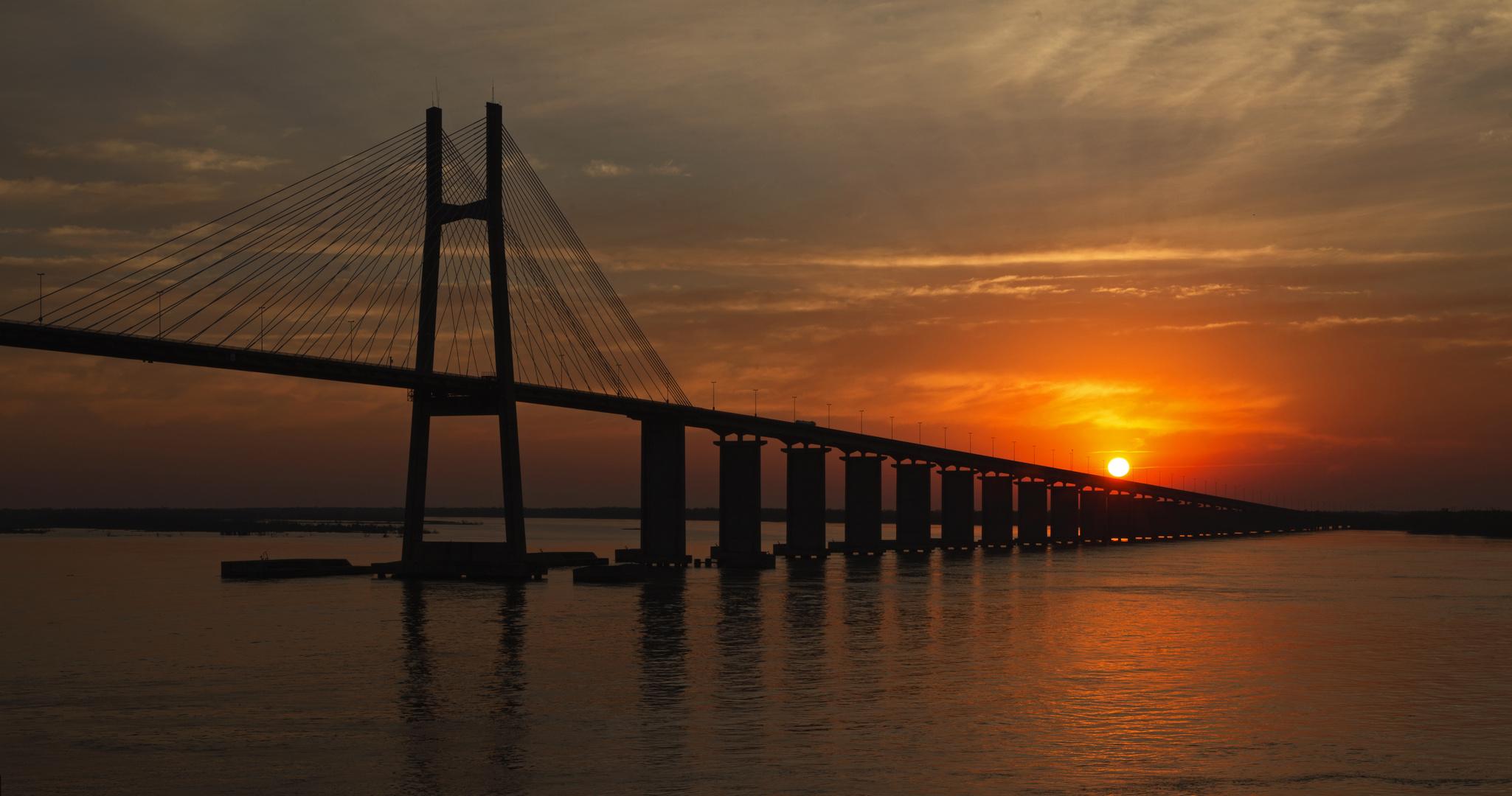 Sunrise at Paraná River