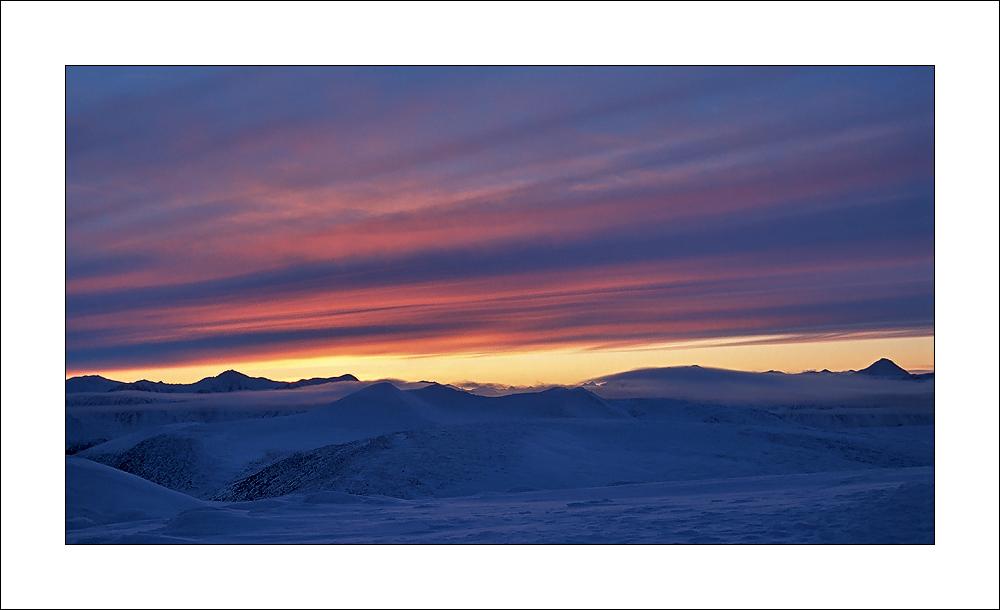 [ Sunrise - Colors of the Yukon / Canada ]