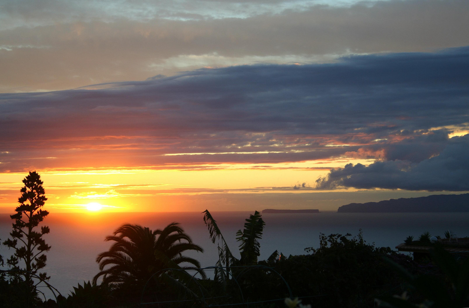 Sunrise in Caniço / MADEIRA