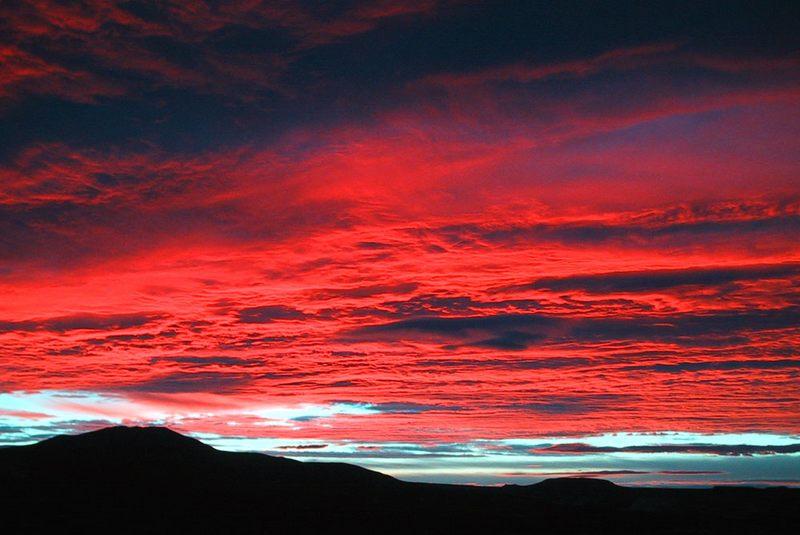 Sunrise in der Steppe von Chubut- Argentinien
