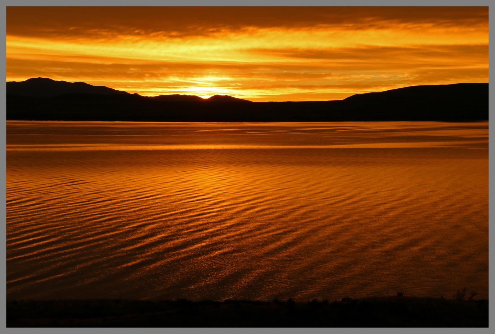 sunrise on Lake Pukaki
