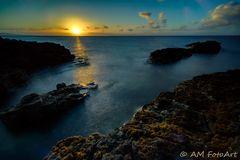 """Sunset an der """"Cave of Gold"""""""