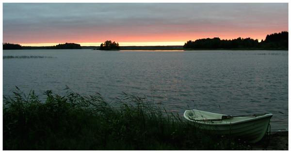 Sunset at the Vuohtojarvi lake