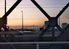 sunset auf Brücke p-21-56-col