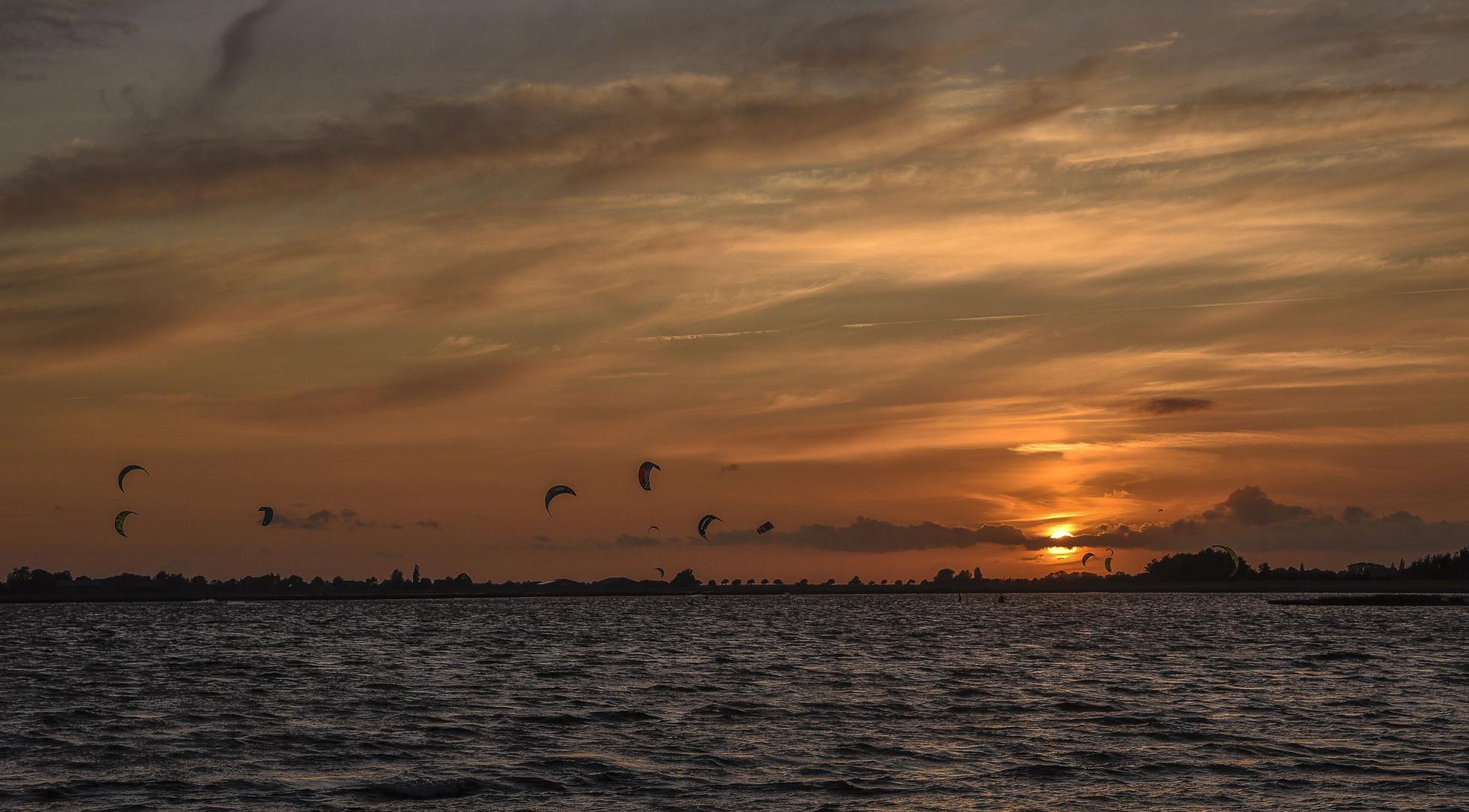 Sunset im Lemkerhafen