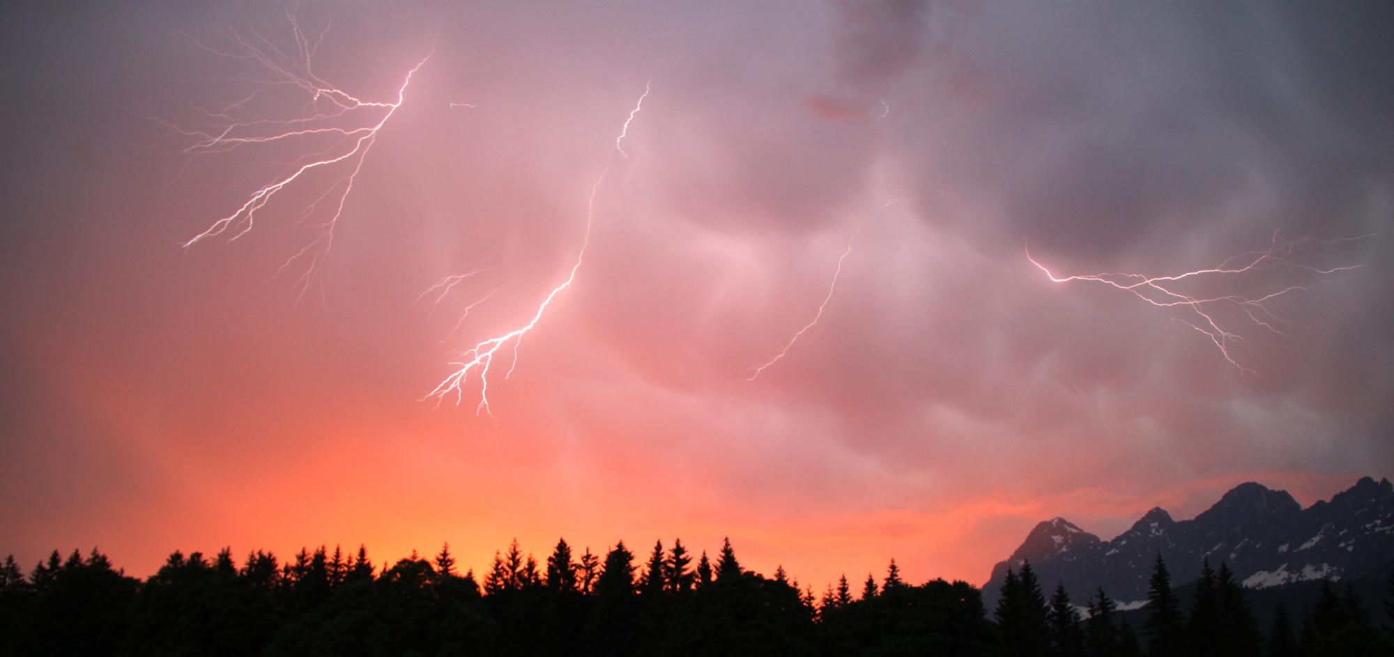 Sunset - Lightning