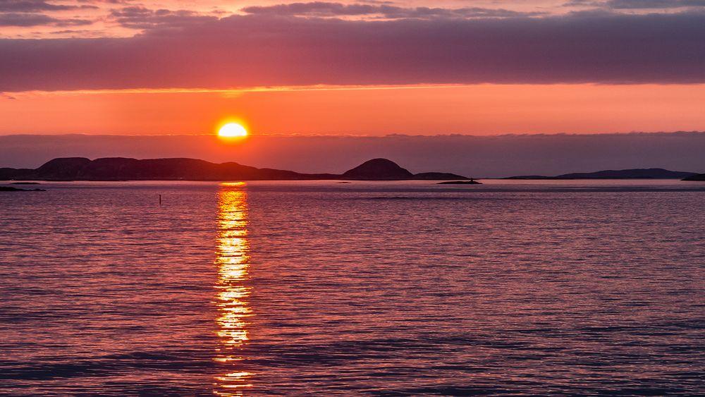 SUNSET near RORVIK