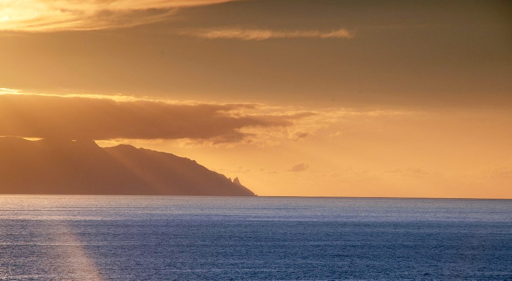Sunset over La Gomera - Sonnenuntergang ueber La Gomera