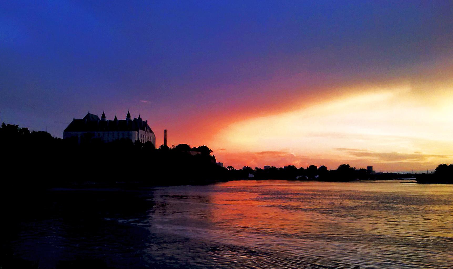 SUNSET OVER THE OTTAWA RIVER (2)