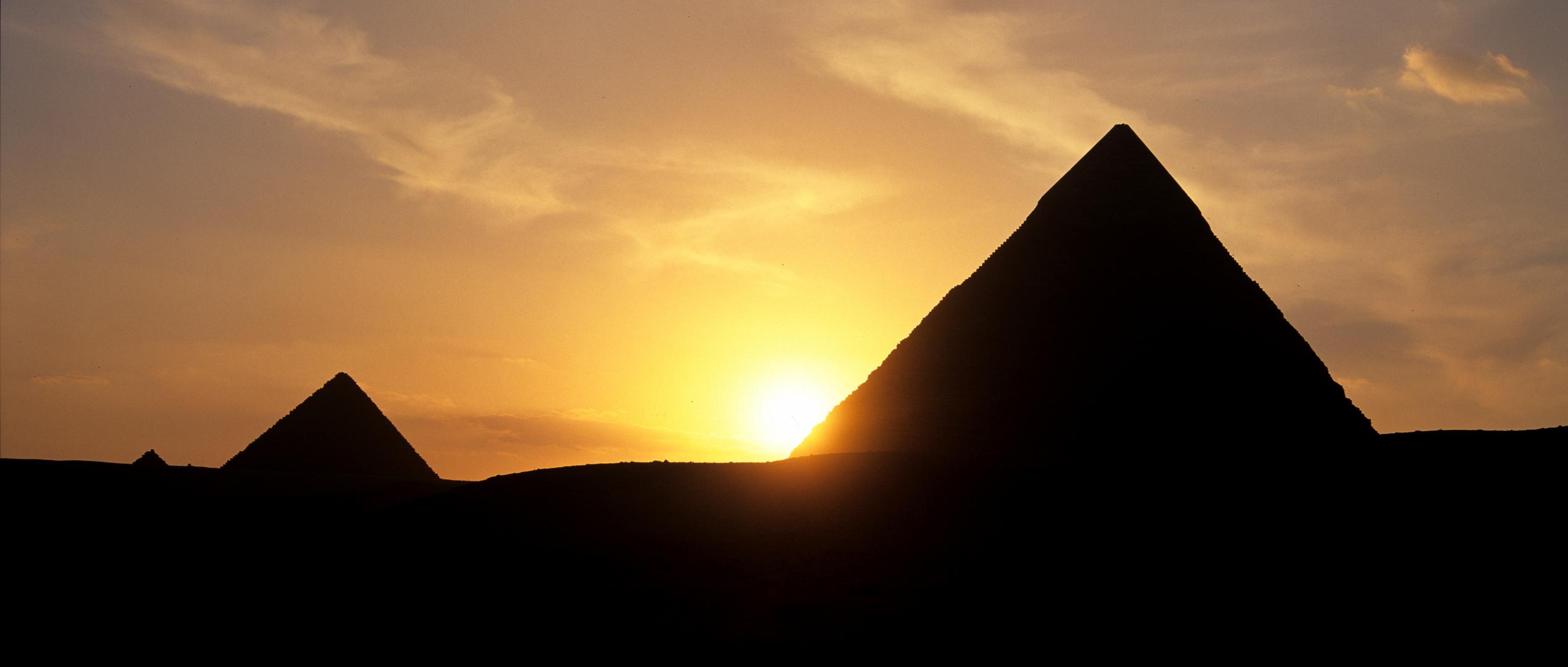 Sunset Pyramiden