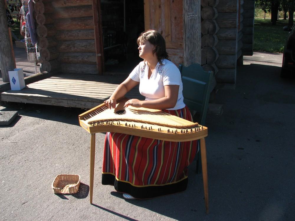 suonatrice lituana