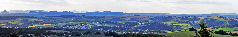 Superweitsicht gestern Morgen vom Lilienstein bis Hohem Schneeberg  und ...