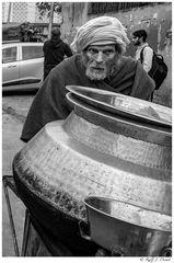 Suppenverkäufer in Old Delhi
