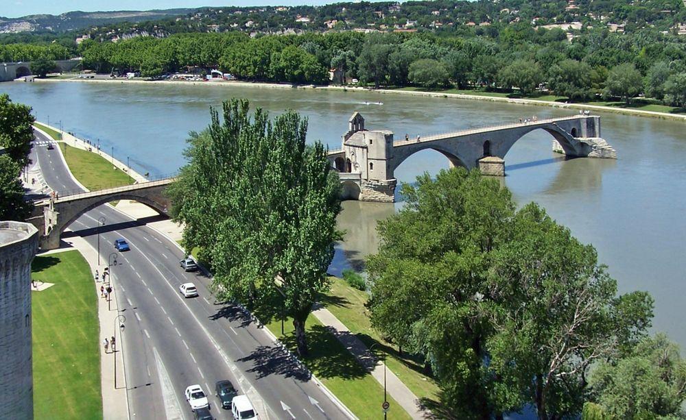 """"""" Sur le Pont ..."""
